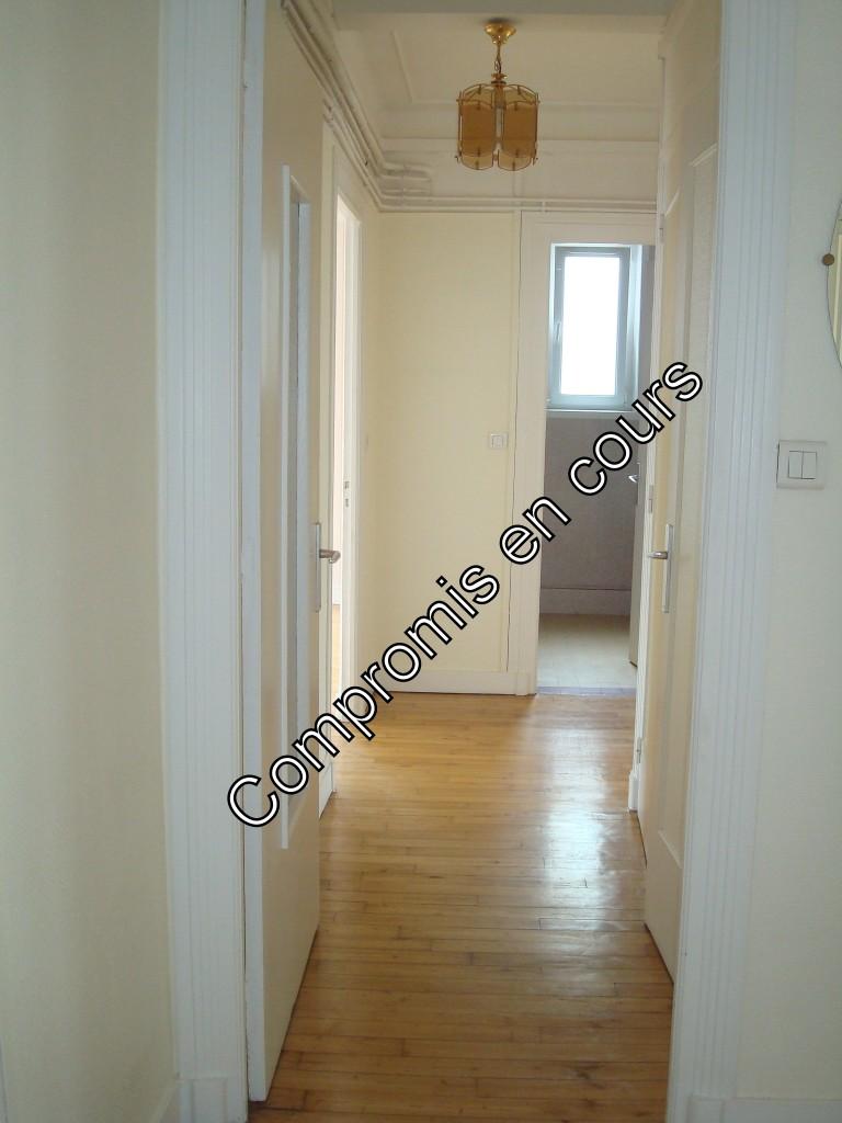 appartement 2 chambres, dalle béton, balcon
