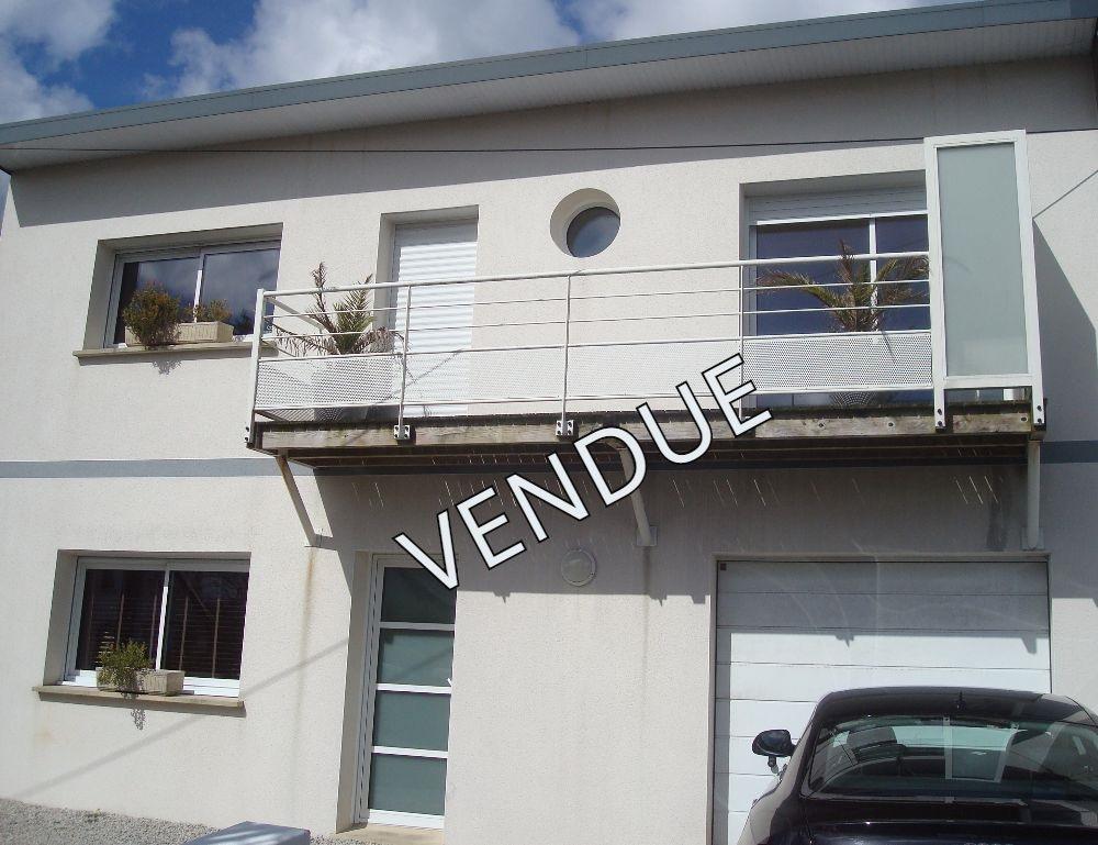 maison contemporaine T6 garage de 2006 exclusif