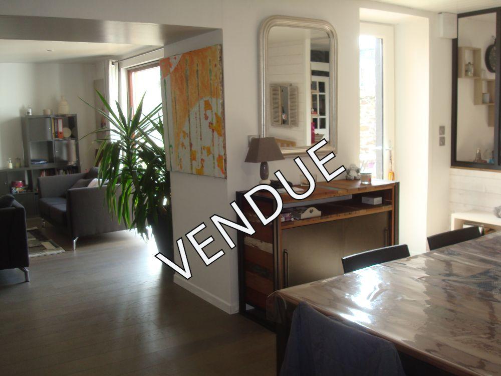 maison T7 rénovée 5 chambres non mitoyenne au bourg de saint marc